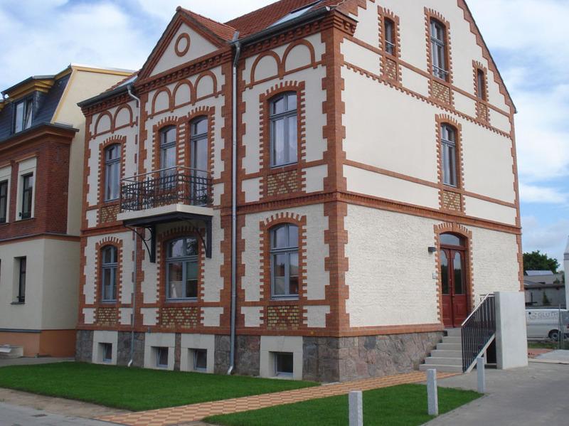 Fertigstellung denkmalgeschütztes Wohnhaus Rostocker Straße 30 Neubrandenburg milatz.schmidt architekten